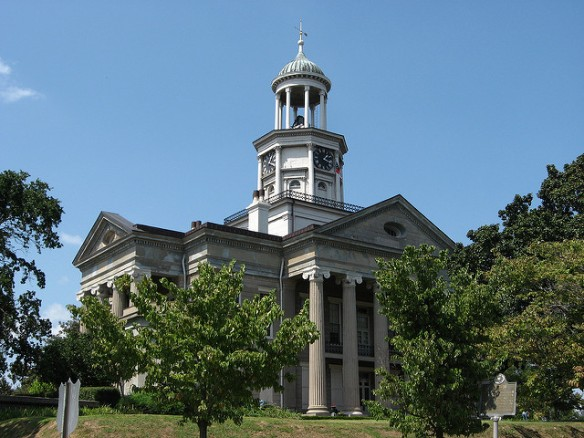 The Old Warren County Courthouse. Photo by Ken Lund, used in accordance with Creative Commons 2.0 license.