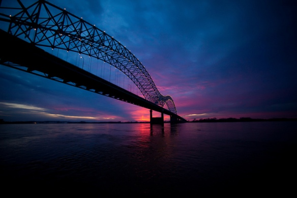 The bridge which connects downtown Memphis to the state Arkansas. Photo by Thomas Hawk, used in accordance with Creative Commons License 2.0