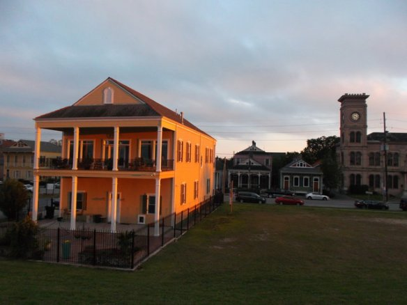 Sunset in Algiers Point