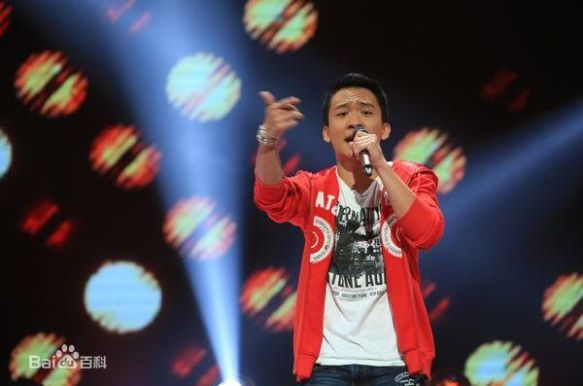 Riceboy Liu appearing in The Voice of China 4